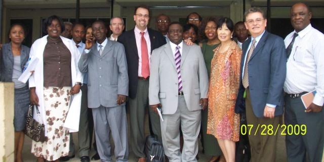 rodrigo-nigeria-ibadan-hospital-staff
